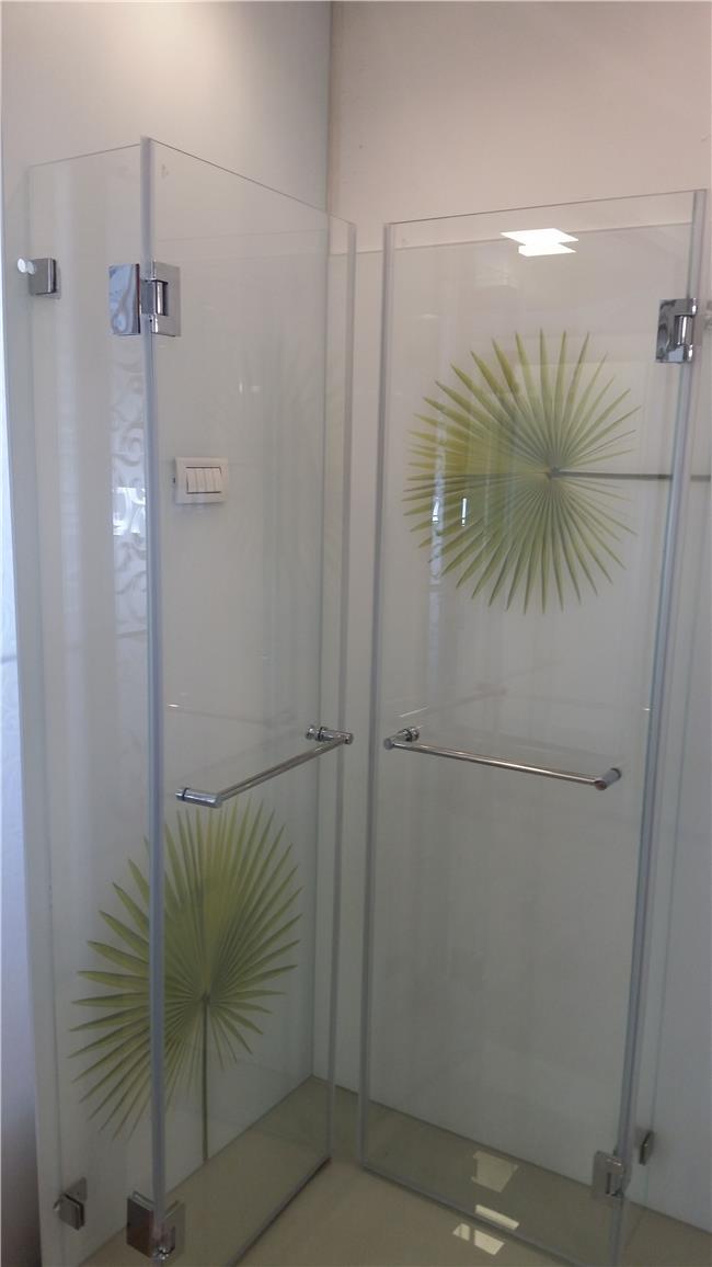 מקלחון פינתי איכותי - א.ר. שיווק