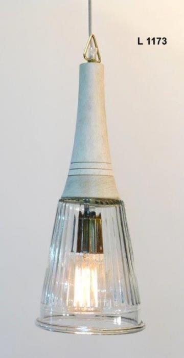 גוף תאורה בשילוב עץ לבן - אופק תאורה חוץ ופנים