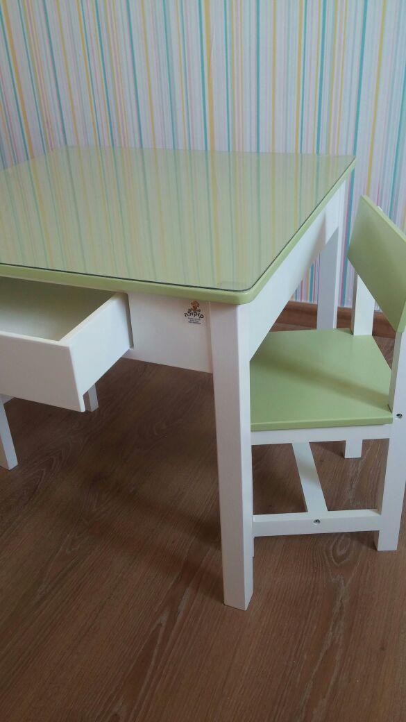 סט שולחן עם מגירות פיסטוק - קוקולה