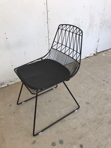 כיסא מתכת קורים שחור - Besto