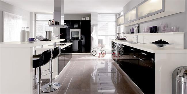 דלתות  היי גלוס שחור לבן - ERA Kitchens