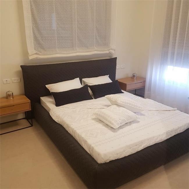 חדר מילנו מיטה מעויינים - Green house