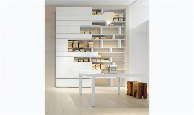 ספריה ייחודית לסלון - המעצבים