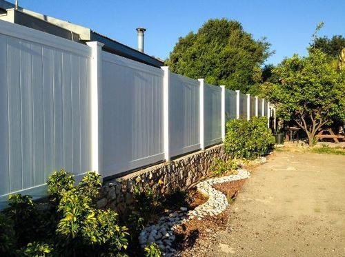 גדר PVC ויניל לבנה דגם חרמון - GARDENSALE