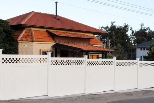 גדר VINYL PVC דגם גלבוע לבן - GARDENSALE
