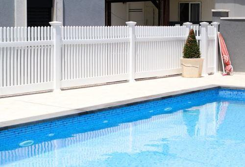גדר PVC דגם אדיר גובה 1.35 - GARDENSALE