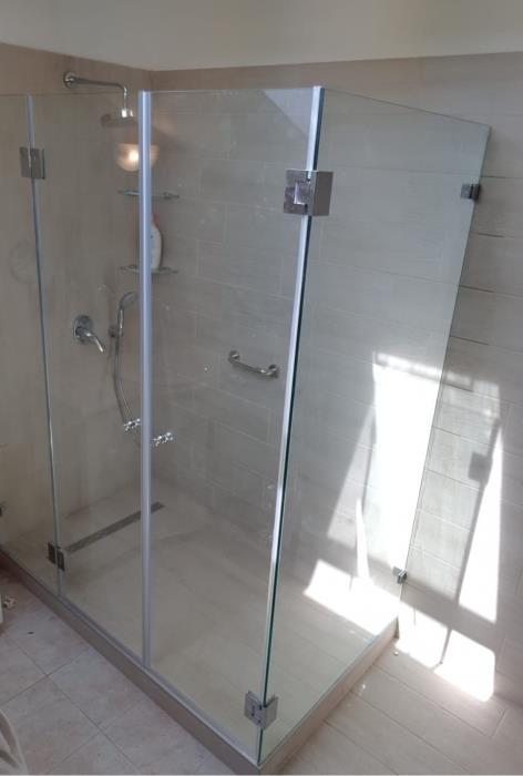 מקלחון פינתי גדול - קליר תעשיות זכוכית