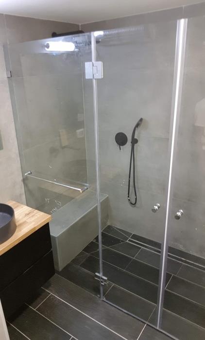 מקלחון בהתאמה אישית - קליר תעשיות זכוכית