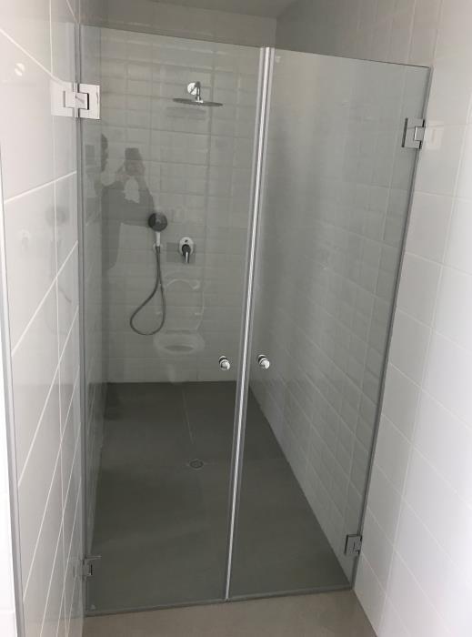 מקלחון זכוכית איכותי - קליר תעשיות זכוכית