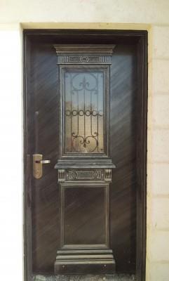 """דלת מודרנית - מסגרית הדודים בע""""מ"""