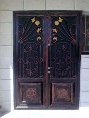 """דלת כניסה יפיפה  - מסגרית הדודים בע""""מ"""
