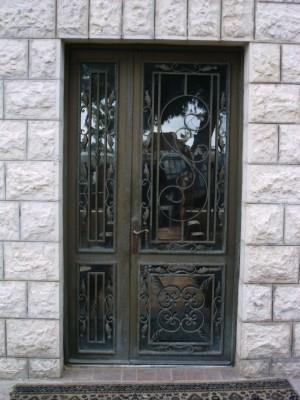 """דלתות כניסה  - מסגרית הדודים בע""""מ"""