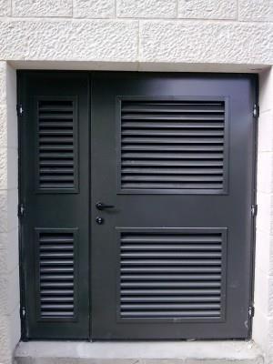 """דלתות כניסה ייחודיות - מסגרית הדודים בע""""מ"""