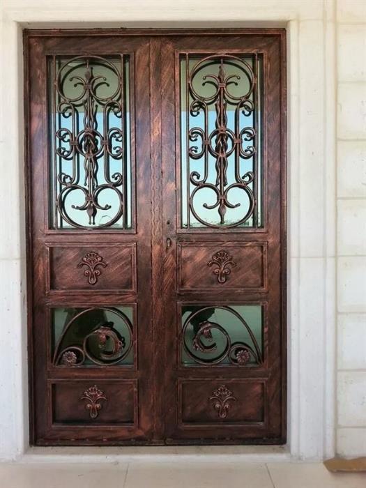 """דלתות כניסה בעיצוב אלגנטי  - מסגרית הדודים בע""""מ"""