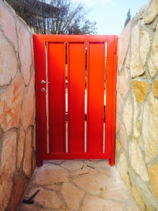 """דלת כניסה בעיצוב יחודי  - מסגרית הדודים בע""""מ"""