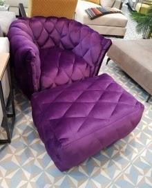 כורסא סגולה בעיצוב מודרני - תורגמן גאלרי