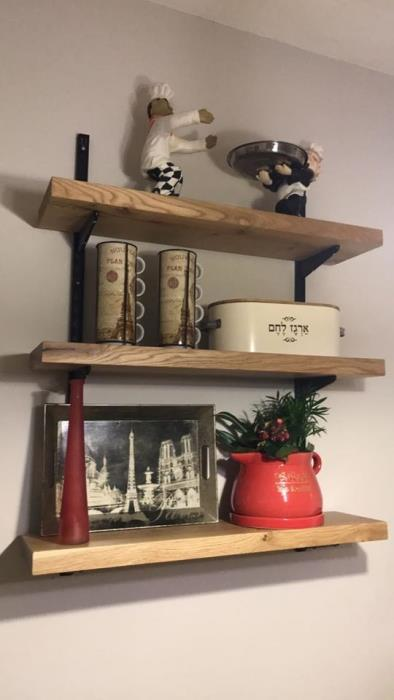 מדפי עץ מבוקע - העיצובים של קורין