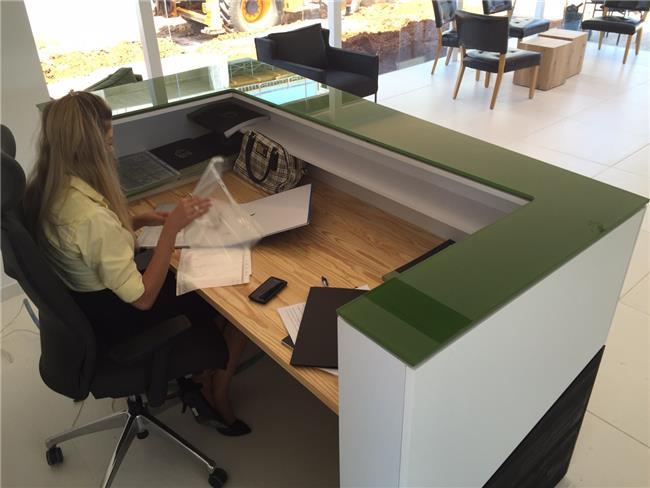 דלפק למשרד בעיצוב אישי  - העיצובים של קורין