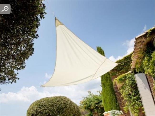 משולש הצללה 3X3 מטר קלאוד - לה גן
