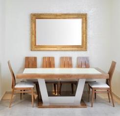 שולחן מסגרת עץ עם זכוכית מט רגל אלומיניו - עץ המשאלות