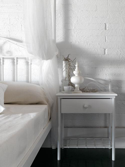 מיטת אפיריון קלאסית - DUPEN (דופן)