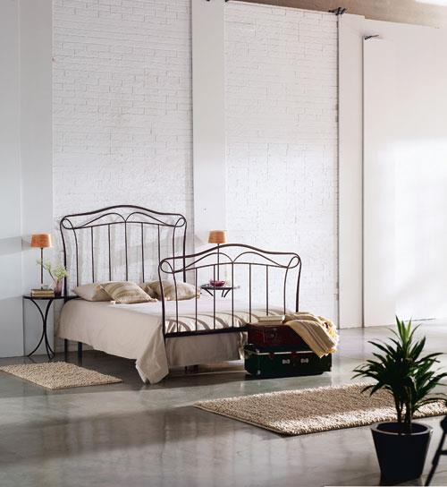 מיטת מתכת קלאסית - DUPEN (דופן)