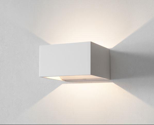 מנורת קיר קוביה - ברק תאורה