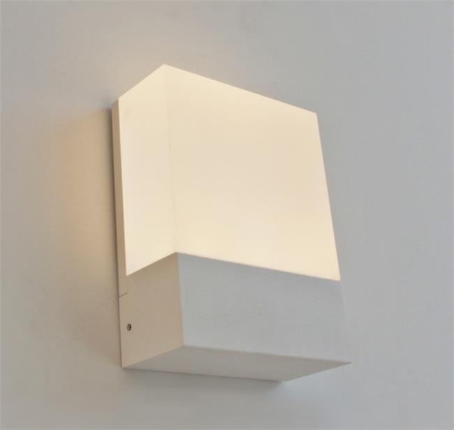 מנורת קיר אקרילי 127 - ברק תאורה