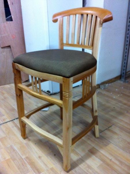 כיסא בר - Treemium - חלומות בעץ מלא