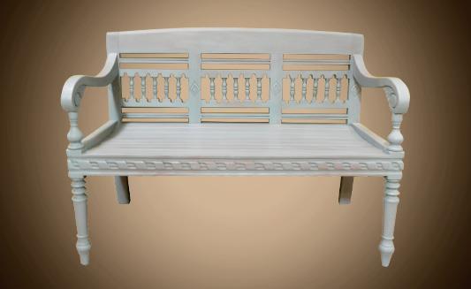ספסל לבן - Treemium - חלומות בעץ מלא