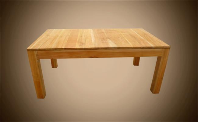 שולחן מרובע עשוי עץ מלא - Treemium - חלומות בעץ מלא
