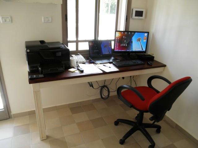 שולחן מחשב פינתי - Treemium - חלומות בעץ מלא