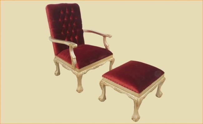 כורסא אדומה עם הדום - Treemium - חלומות בעץ מלא