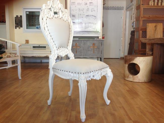 כסא עץ מלא לבן - Treemium - חלומות בעץ מלא