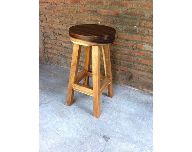 כיסא בר עגול - Treemium - חלומות בעץ מלא