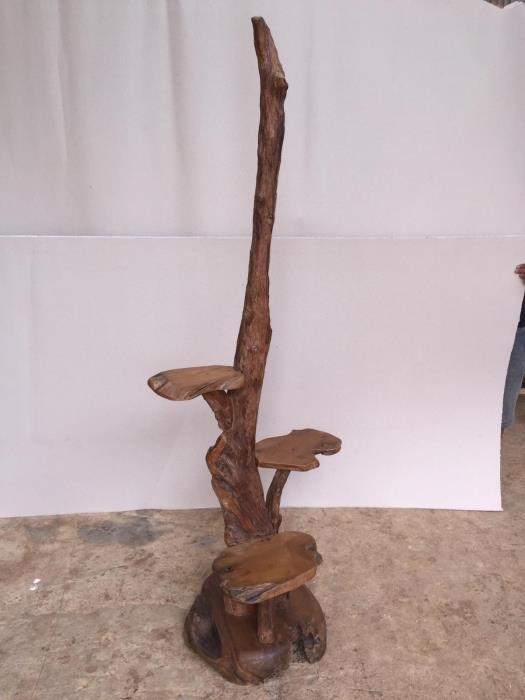 מעמד דקורטיבי מעץ טיק  - Treemium - חלומות בעץ מלא