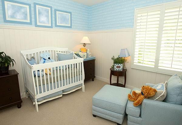 חדר תינוקות בצבעי פסטל רכים ,