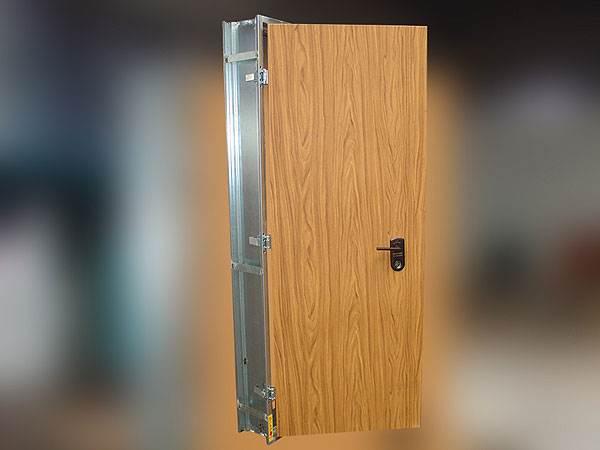 דלת ממוגנת של חברת מז