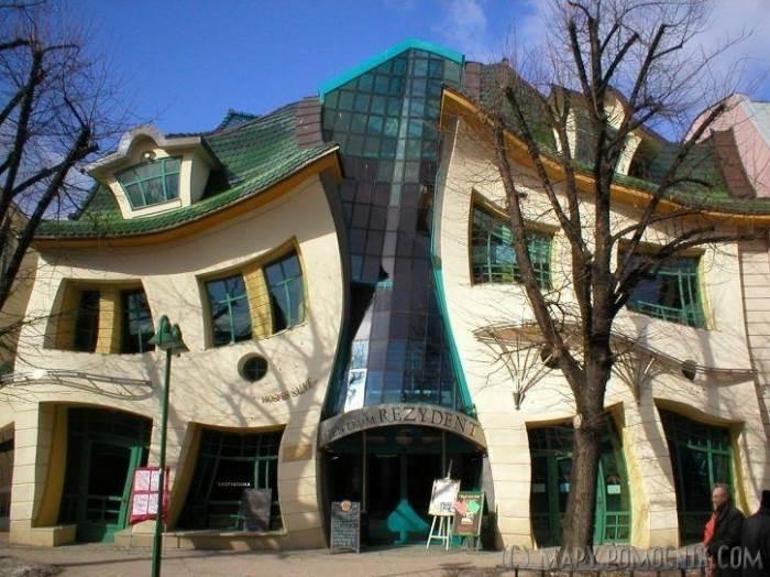 The crooked house, מרכז קניות עירוני בפולין, (צילום:maps.pomocnik.com)