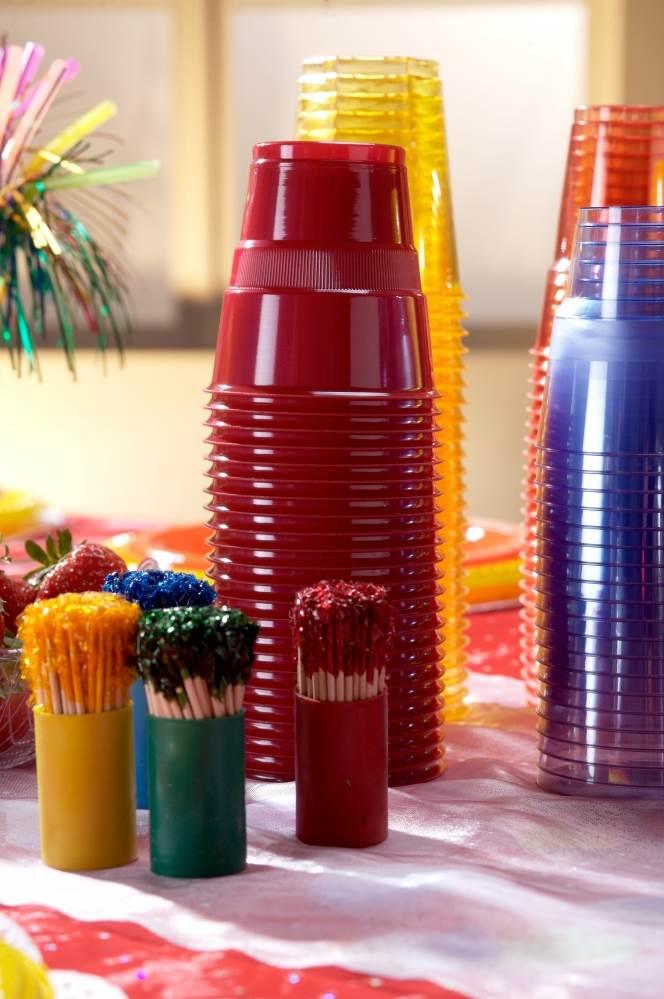 רצוי לקנות מספר סוגים של כוסות, או לוודא שהסוג שקנינו מתאים גם לשתייה חמה וגם לקרה,