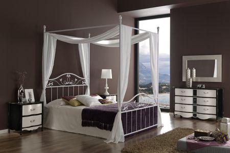 מיטת אפיריון בסגנון קלאסי, חדר שינה של
