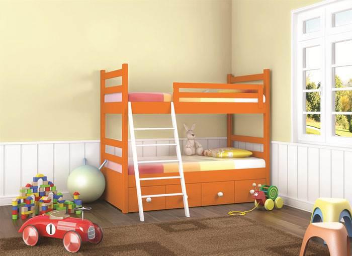 גם רהיטי העץ בחדרי הילדים זכו להתייחסות נפרדת עם קולקציית צבעים על בסיס מים, ללא חומרים רעילים (צילום: יח