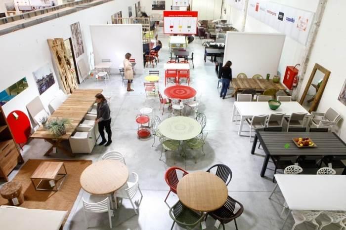 רהיטים של מיטב המעצבים כגון רון ארד, פיליפ סטארק, האחים קמפאנה או מרסל וונדרס בהנחות גדולות. האאוטלט של טולמנ