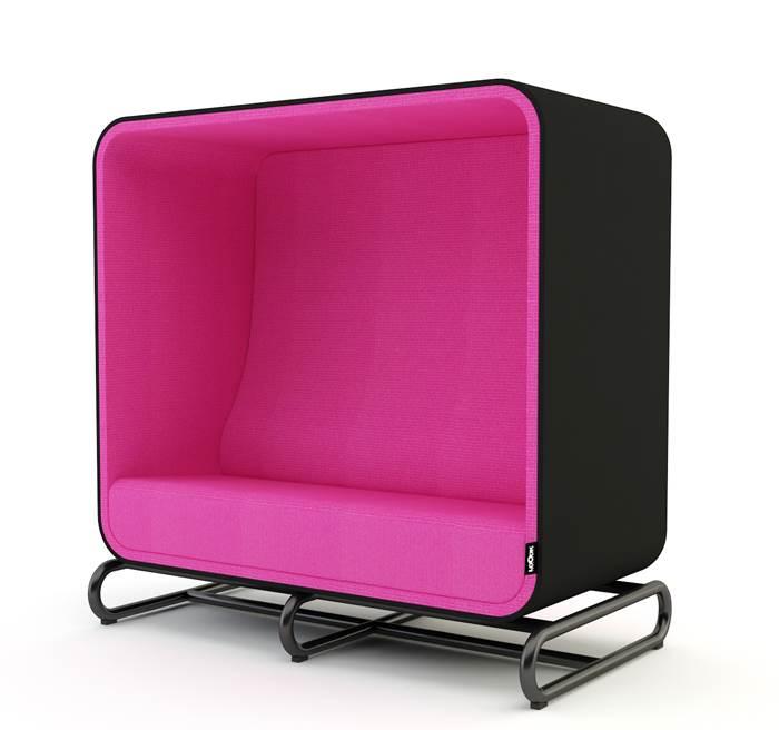 היו יצירתיים – חשבו בתוך הקופסה. ספה מרובעת של Loook Industries | מחיר: 2,900-4,400 יורו (צילום: Loook Industries)