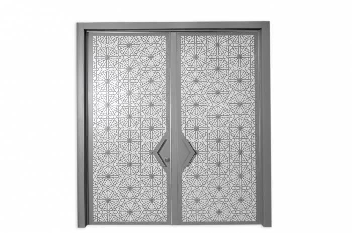 דלת סהרה ב-8,932 שקלים במקום ב-12,760  שקלים, ברכישת דלת נוספת במחיר זהה. רשפים (צילום: יח