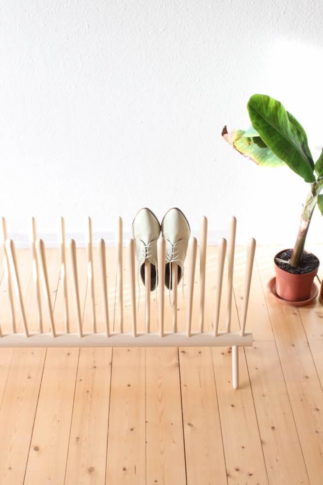 גם לכם הוא עושה חשק לדוקים? מעמד לנעליים של סבטיאן גולדשמידטבונג (צילום: סבטיאן גולדשמידטבונג)