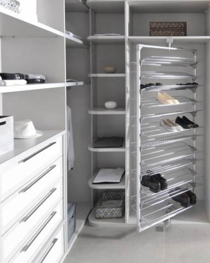 לתת לכל מעצמה שטח משלה. ארון עם מקום ייעודי לנעליים של חברת אידיאל | מחיר: משתנה (צילום: יח