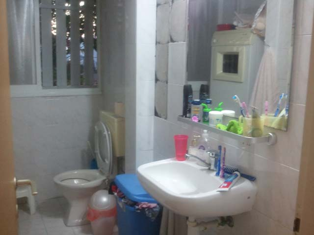 חלל המקלחת - לפני השיפוץ