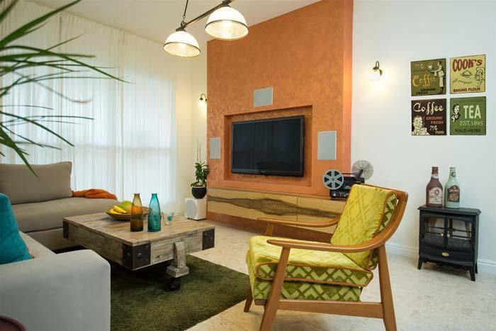 עוד הצצה לסלון המיוחד- עם כורסא בסגנון רטרו