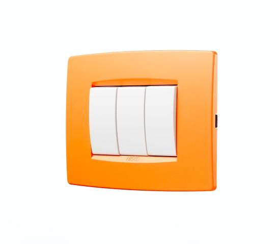 מסגרת בצבע כתום משמש של קיץ יכולה להתכתב נהדר עם ריהוט בחלל - ניסקו
